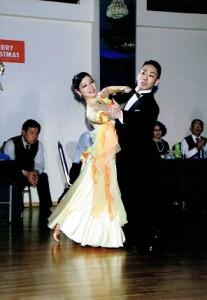 ゲストの大蔵先生ワルツとタンゴを踊って頂きました